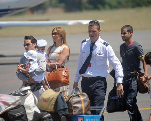Dženifer Lopez sa suprugom i decom sletela u Rim