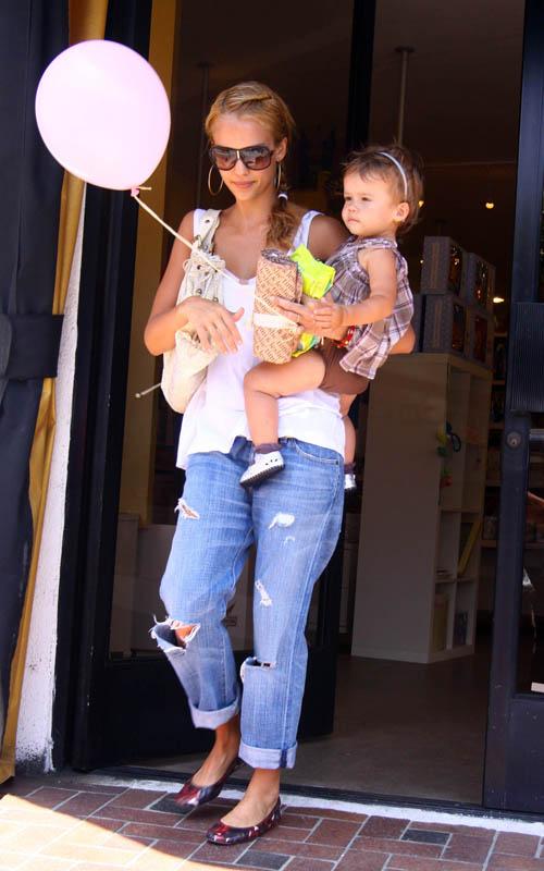 Džesika Alba sa ćerkom