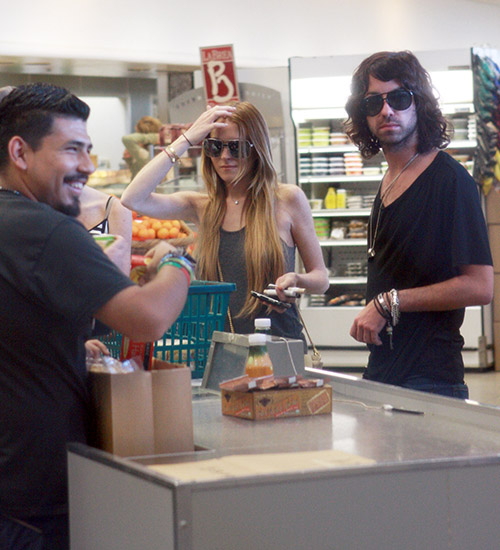 Linzi Lohan u supermarketu