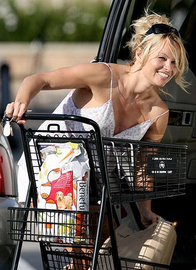 Pamela Anderson u supermarketu