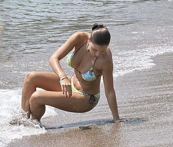 Mia Borisavljević na plaži