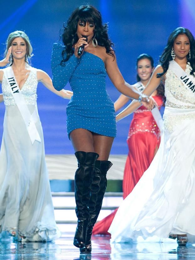 Keli Roland, jedna od izvođača na Miss Universe 2009