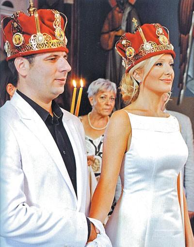 Venčanje u crkvi - Leontina Vukomanović i Filip Pat