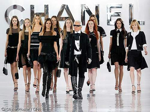 Karl Lagerfeld na reviji za Chanel