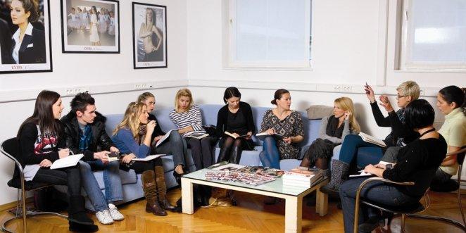 Nina Badrić postala urednica na mesec dana hrvatskog celeb magazina Extra