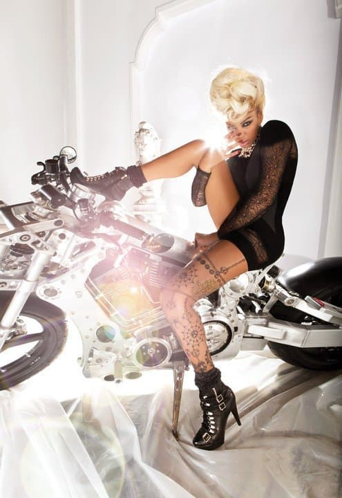 Sexy Beyonce reklamira  jesenju kolekciju za Dereon! 112