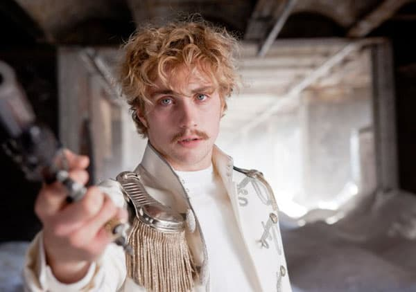 Aaron Johnson kao grof Vronski