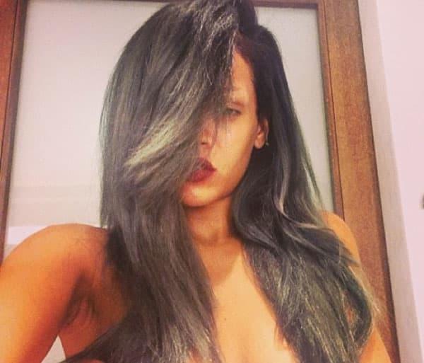 Rihanna ponovo promenila boju kose