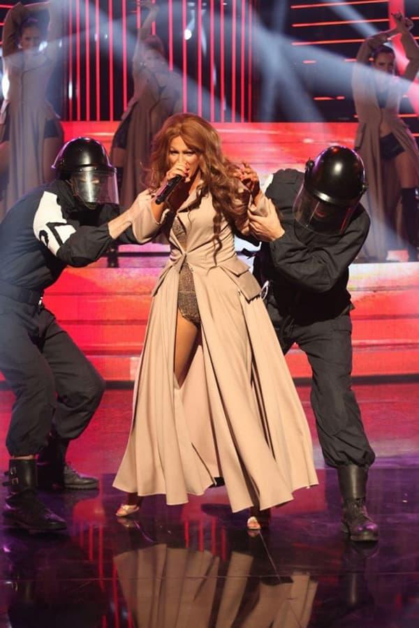 Ana Kokic kao Beyonce