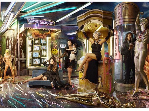Kardashian-Christmas-Card-2013-02