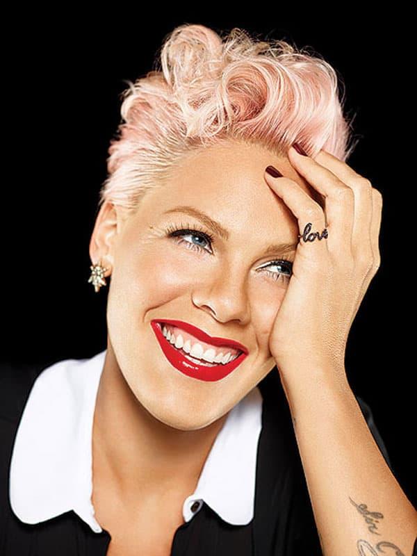 Pevačica Pink našla se na 10. mestu liste najlepših žena sveta