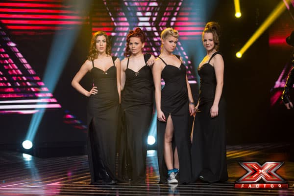 Devojke iz grupe '4U' pevaju 'Feel' Robbie Williamsa