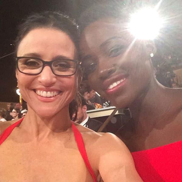 Iako nisu osvojile nagradu glumice Julia Louis-Dreyfus i Lupita Nyongo nisu skidale osmeh s lica.