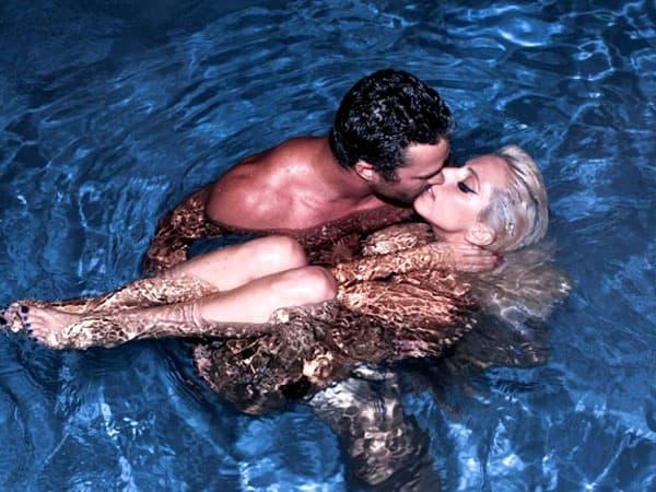 Lady Gaga uživa sa dečkom