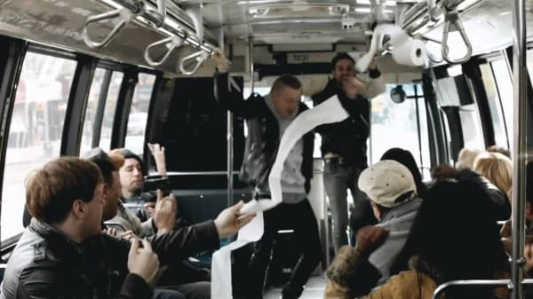 video-macklemore-ryan-lewis-cant-hold-us-live-on-a-bus-in-new-york