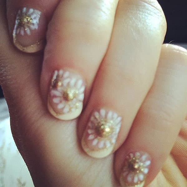 Zvezda serije 'New Girl' Zooey Deschanel imala je posebno iscrtane nokte za Golden Globes
