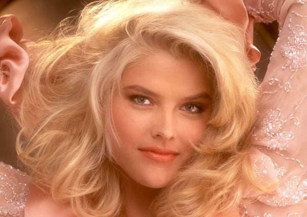 Anna Nicole Smith rodila sina u 15. (foto: Playboy)