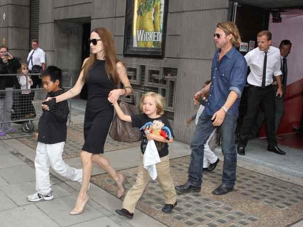 Angie i Brad sa decom