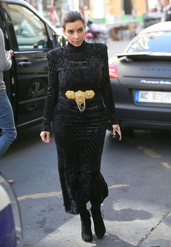 Kim Kardashian & Kanye West Shop In Paris