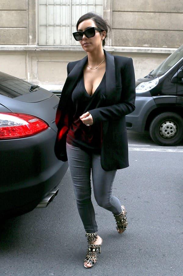 Kim Kardashian Hits The Gym In Paris