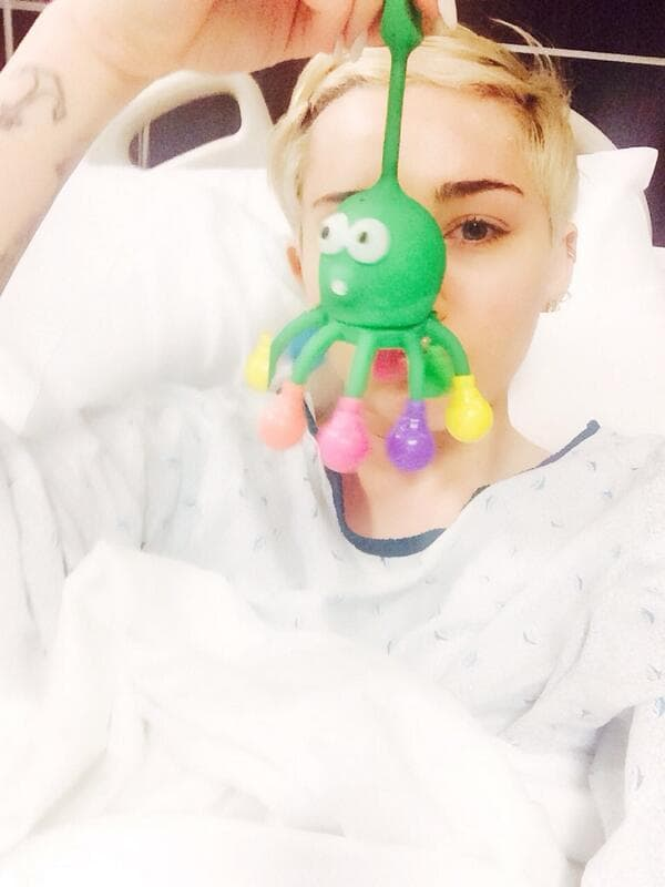 miley bolnica cyrus