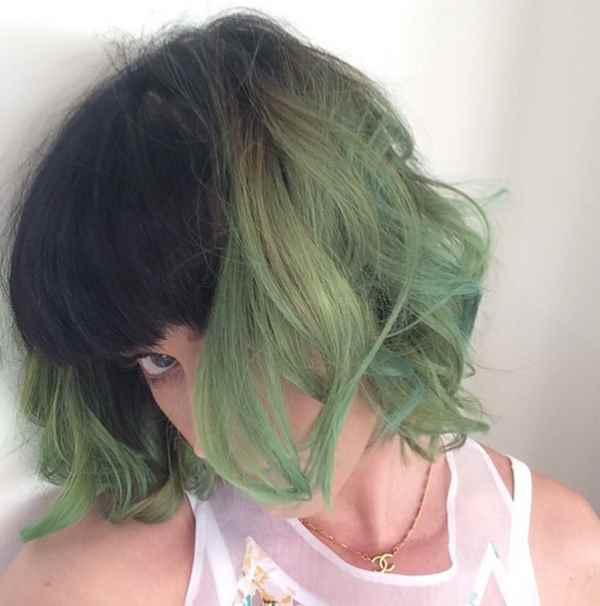 Pevačica je ofarbala kosu u zeleno... hmm...