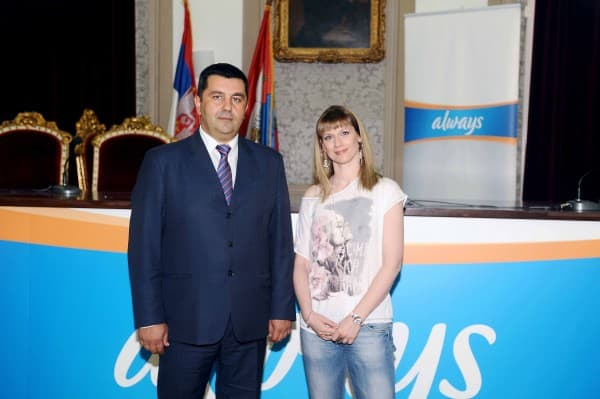 Pomocnik ministra mr Ljubisa Antonijevic i glumica Mina Lazarevic