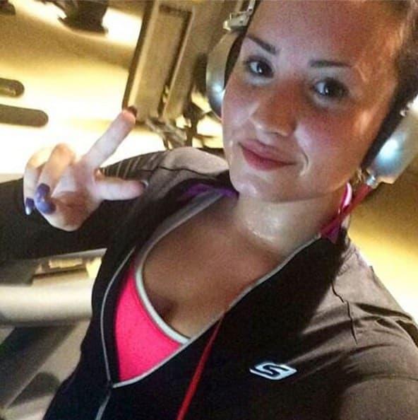 Demi_Lovato_Tracara