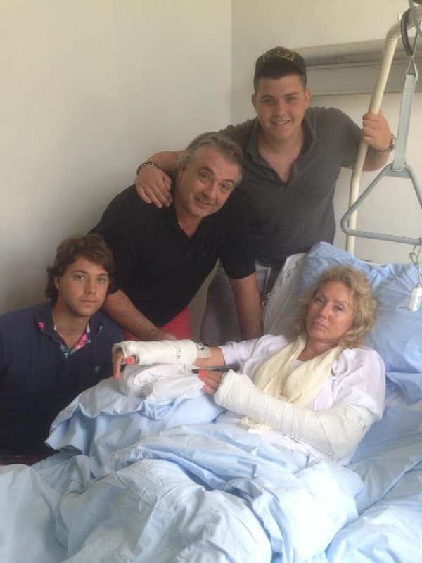 Pevačica juče puštena iz ortopedske klinike