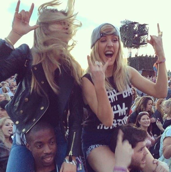 Cara Delevigne i njena najbolja drugarica Ellie Goulding sjajno su se zabavljale na Wireess festivalu.