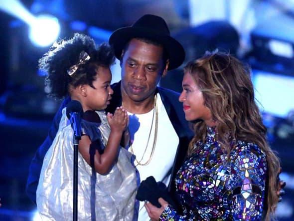 Emotivni porodični trenutak porodice Carter na ovogodišnjim VMA. (foto: MTV)