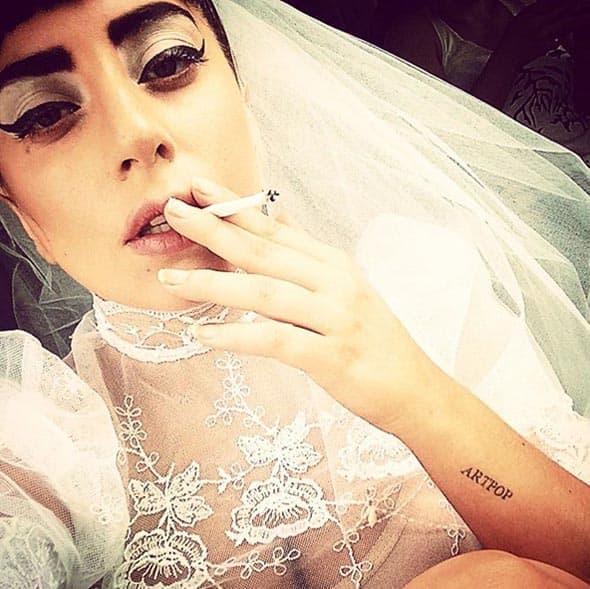 Da li se Lady Gaga udala ove nedelje? Ne verujemo, ali nas od nje svakako ništa ne može začuditi!