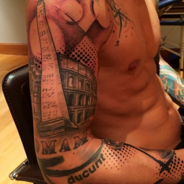 Kolarov je poznat po svojim tetovažama (foto: instagram)