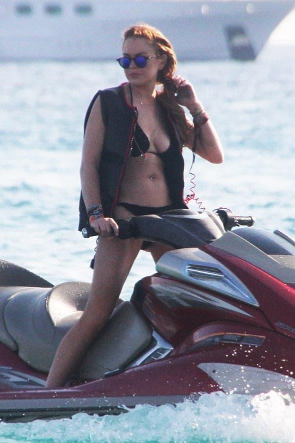 Prva stanica na evropskom proputovanju Lindsay Lohan bila je Ibica, nakon čega je otputovala za Grčku!