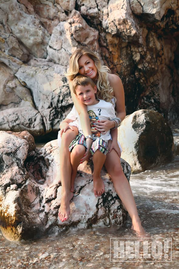 Pevačica kaže da njen sin već perfektno govori nemački! (foto: Hello)