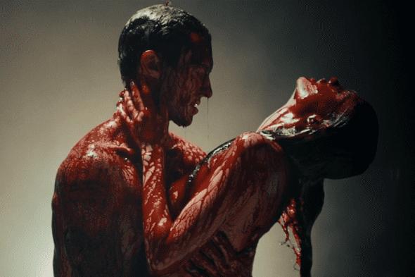 Krvavi Adam!