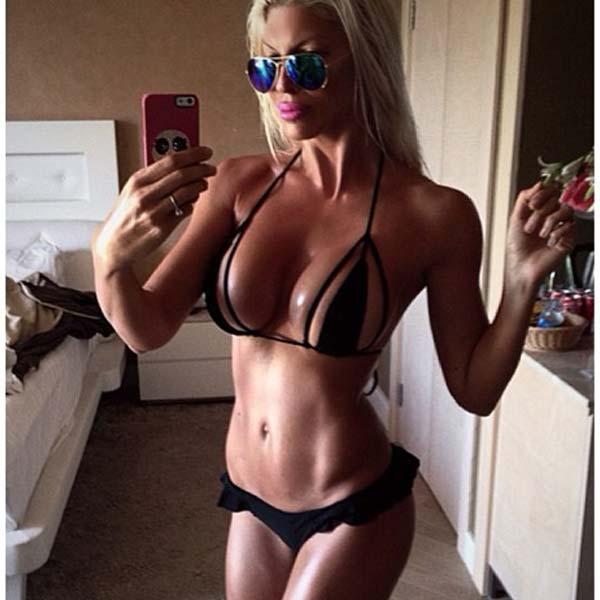 Šta bi našli u njenom telefonu? (foto: instagram)