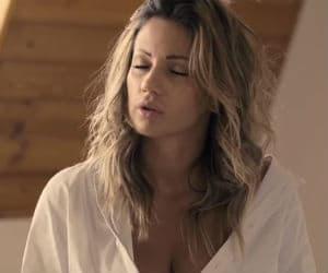 Ana Kokić objavila novi singl i spot!