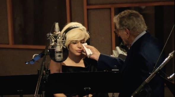 Emotivna Gaga i Benett (foto: Facebook)