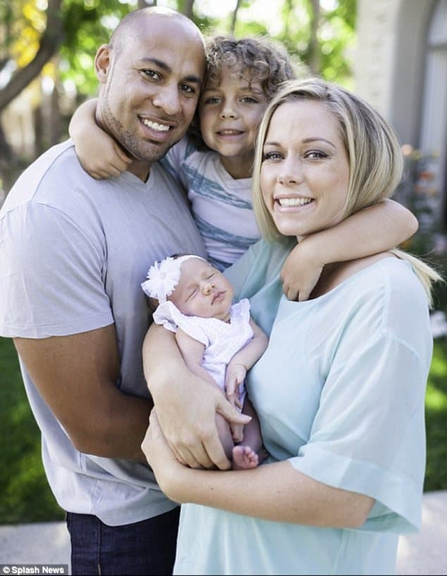 Očajnički željni pažnje ili se zaista trude da sačuvaju brak? (foto: DailyMail)