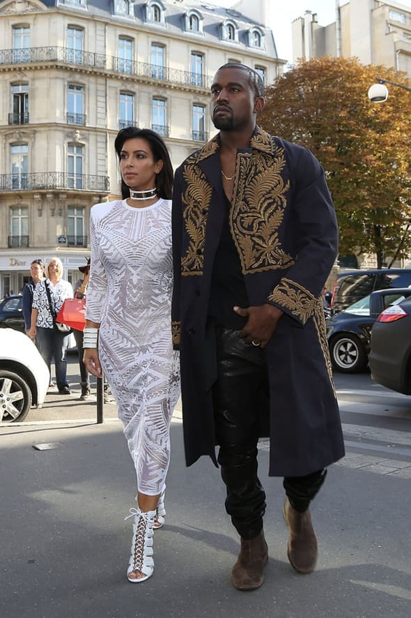 Kim Kardashian i Kanye West na Balmain reviji (foto: vogue)