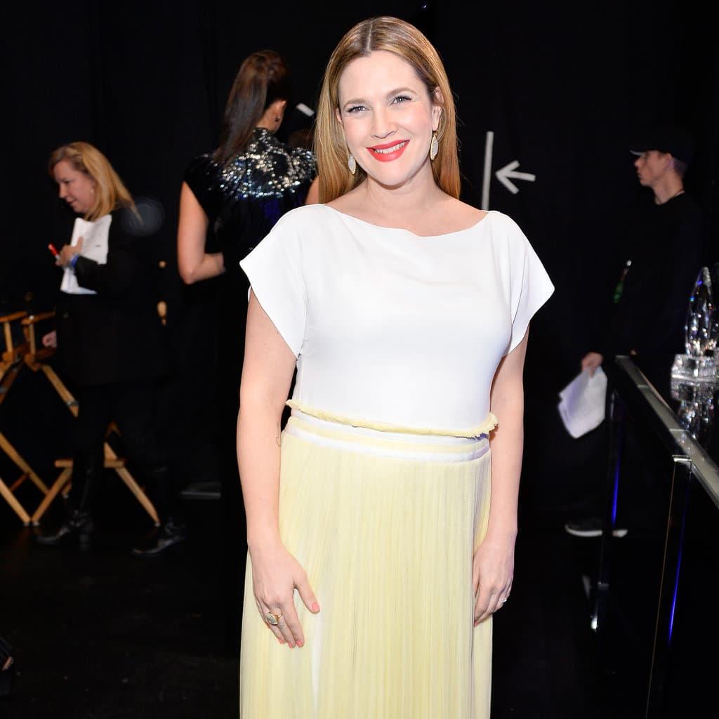 Poznata glumica se još uvek bori sa viškom kilograma dobijenih u trudnoći. (foto: PCA)