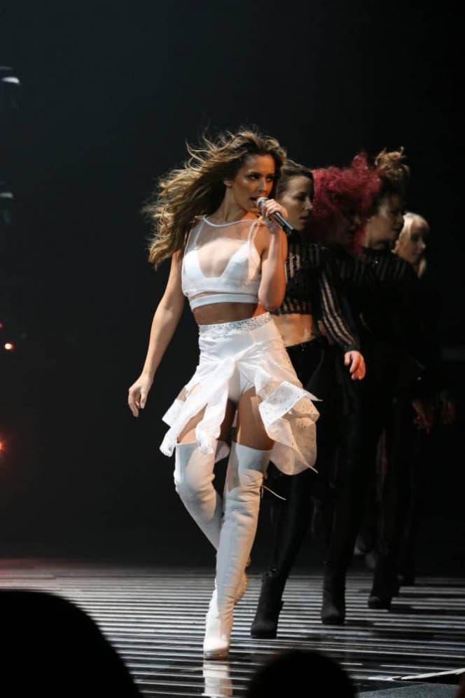 Cheryl je otpevala svoj aktuelni singl 'I Don't Care'. (foto: XF)