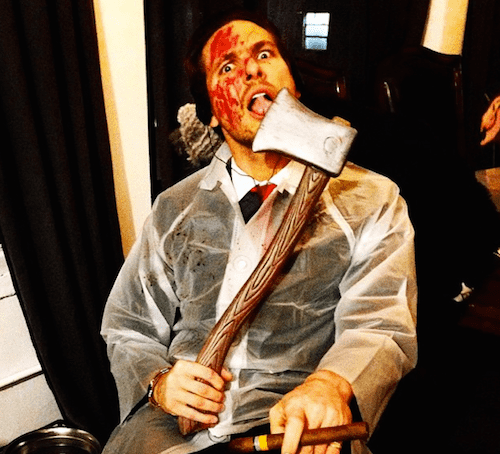 "Adam Senn kao ubica Patrick Bateman iz filma ""American Psycho"""
