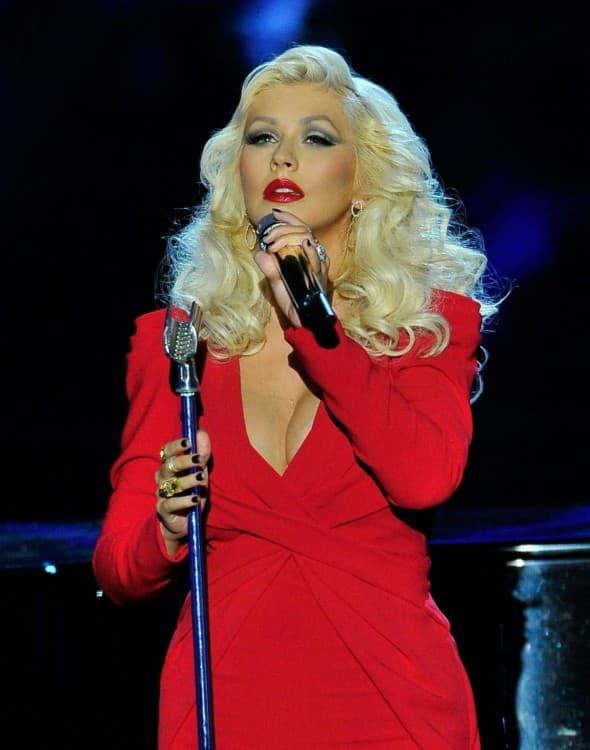 Popularna pevačica nastupila je na ceremoniji (foto: hawtcelebs)