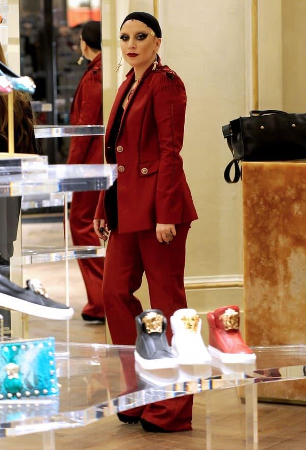 Lady Gaga & Allegra Versace Shopping In Milan