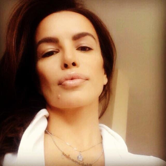 Jutarnjim selfijem zahvalila se fanovima na podršci! (foto: Instagram)