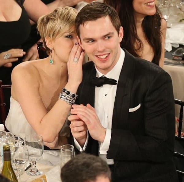Jennifer Lawrence i Nicholas Hoult ( foto: Hello Magazine )