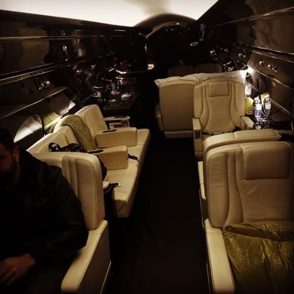 Unutrašnjost Bieberovog aviona ( foto: Instagram )