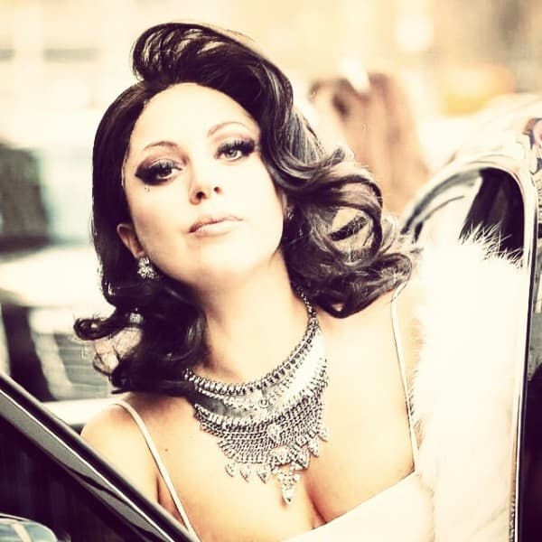 Potpuno drugačija Gaga... ( foto: Instagram )